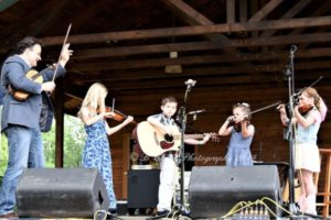 The fiddle group at Chantilly